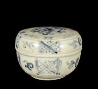 Covered box with underglaze cobalt painting, with floral spray on flat top