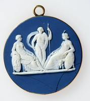 Round dark blue jasper medallion with white relief scene of Germany settling a dispute between Russia and Turkey, set in mount mount with ring