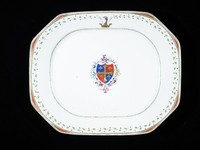 Octagonal Tureen Stand with Manning of Norfolk Armorial Crests and Leaf Border, China, porcelain with overglaze enamels and gilding, export ware