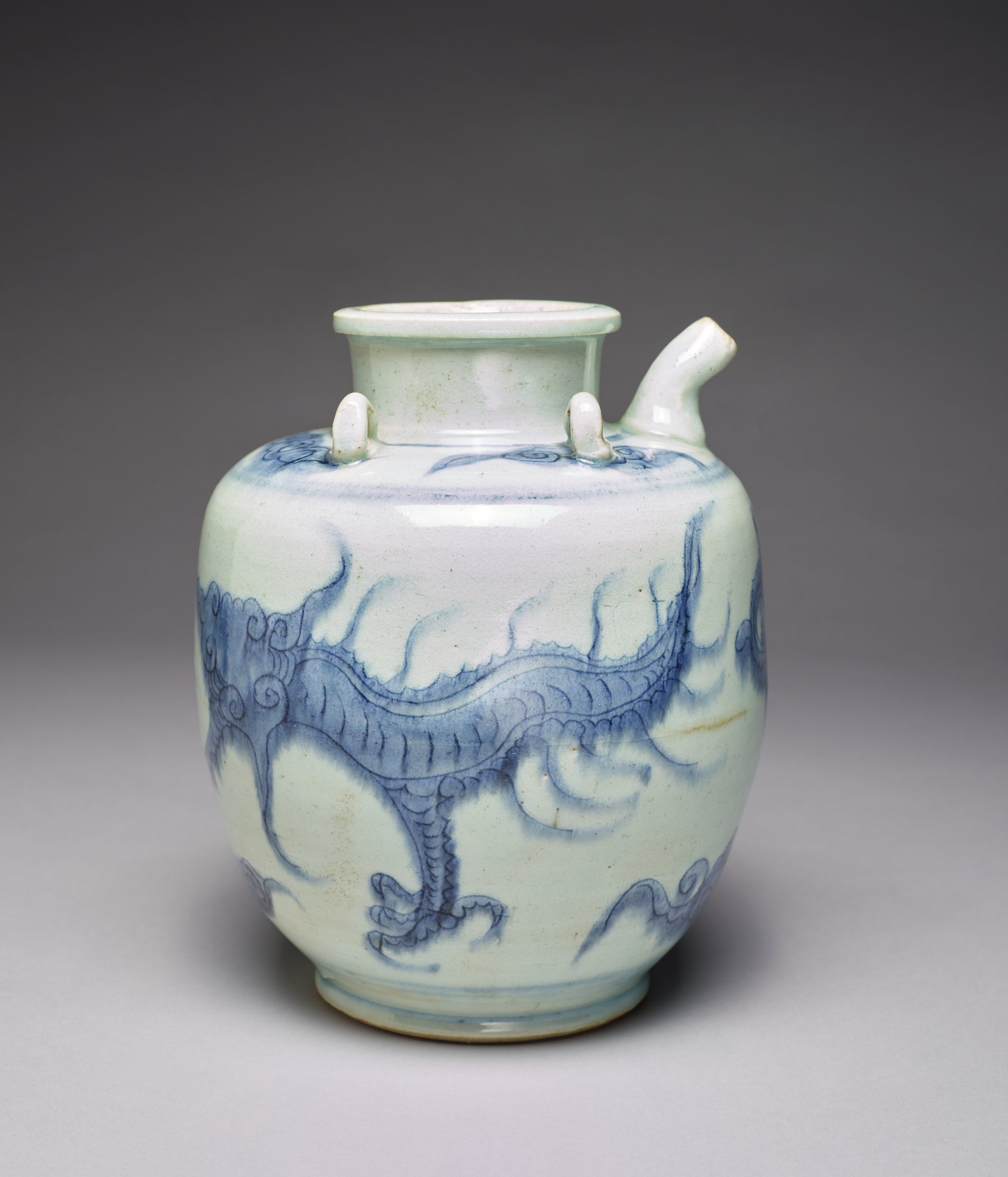 Blue and white ewer with dragon, four loop handles